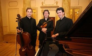 Trio_Parma slide